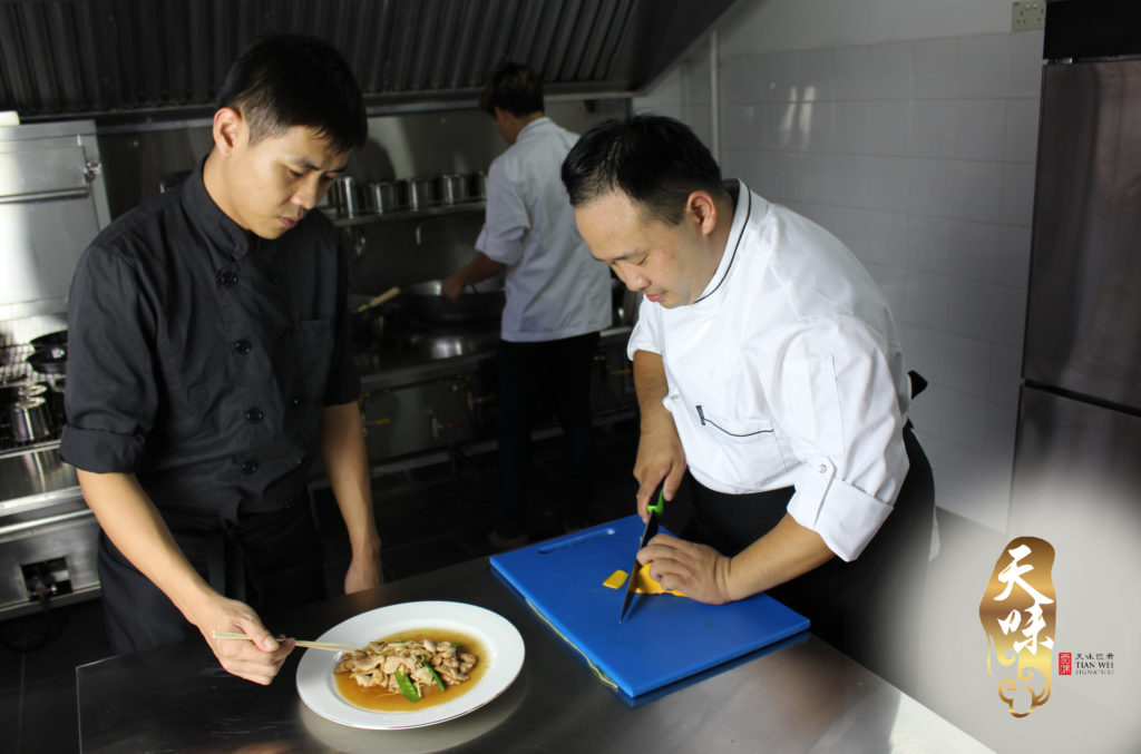 confinement food caterer
